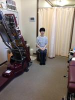 大阪市福島区 女性の方の口コミ、膝の痛みの原因は骨盤の歪みとわかりカイロプラクティック整体で改善されました。